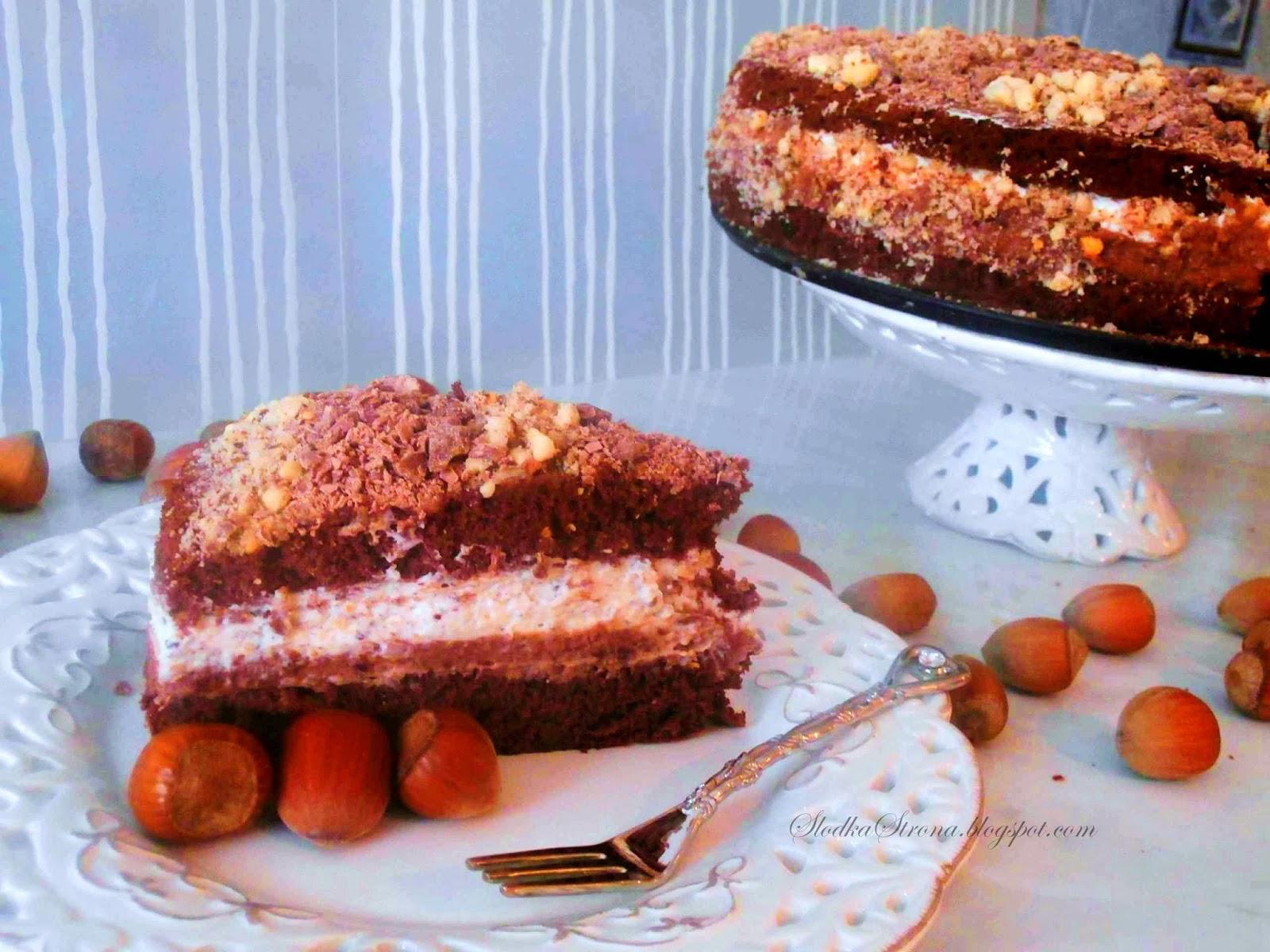 Tort Czekoladowy z Orzechami Laskowymi - Przepis - Słodka Strona