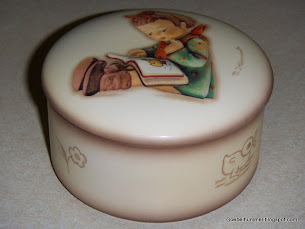 "Hummel ""Book Worm"" Trinket Box #685"