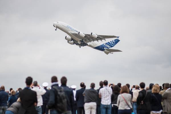 Paris Air Show 2015: Airbus, Boeing Battle It Out At World's Oldest Aviation Event
