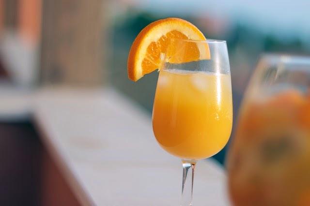 Coctel con zumo de naranja imagenes sin copyright for Coctel con zumo de tomate