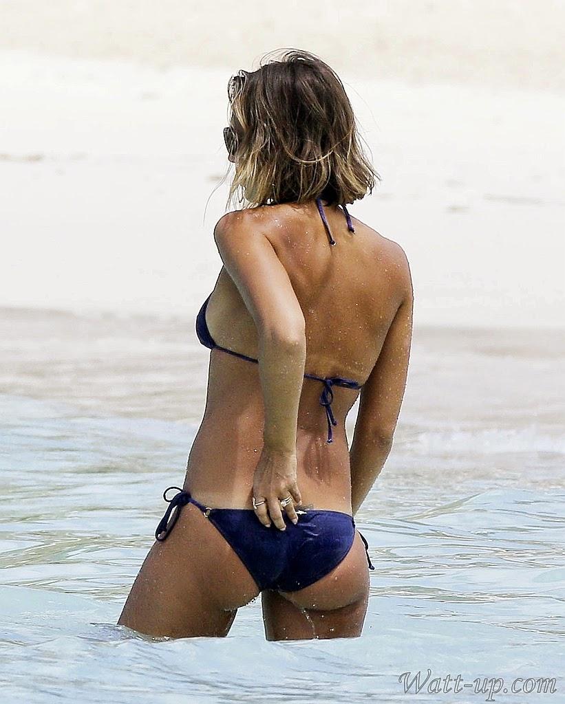 http://www.watt-up.com/j_gallery/Jessica_Alba_Bikini_Gallery_3/slides/Jessica_Alba_Bikini%20(1049).html