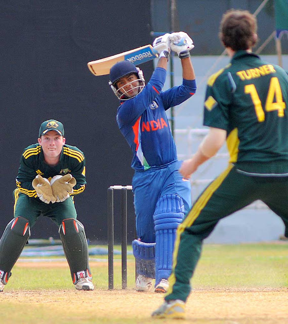 Unmukt Chand hitted 6