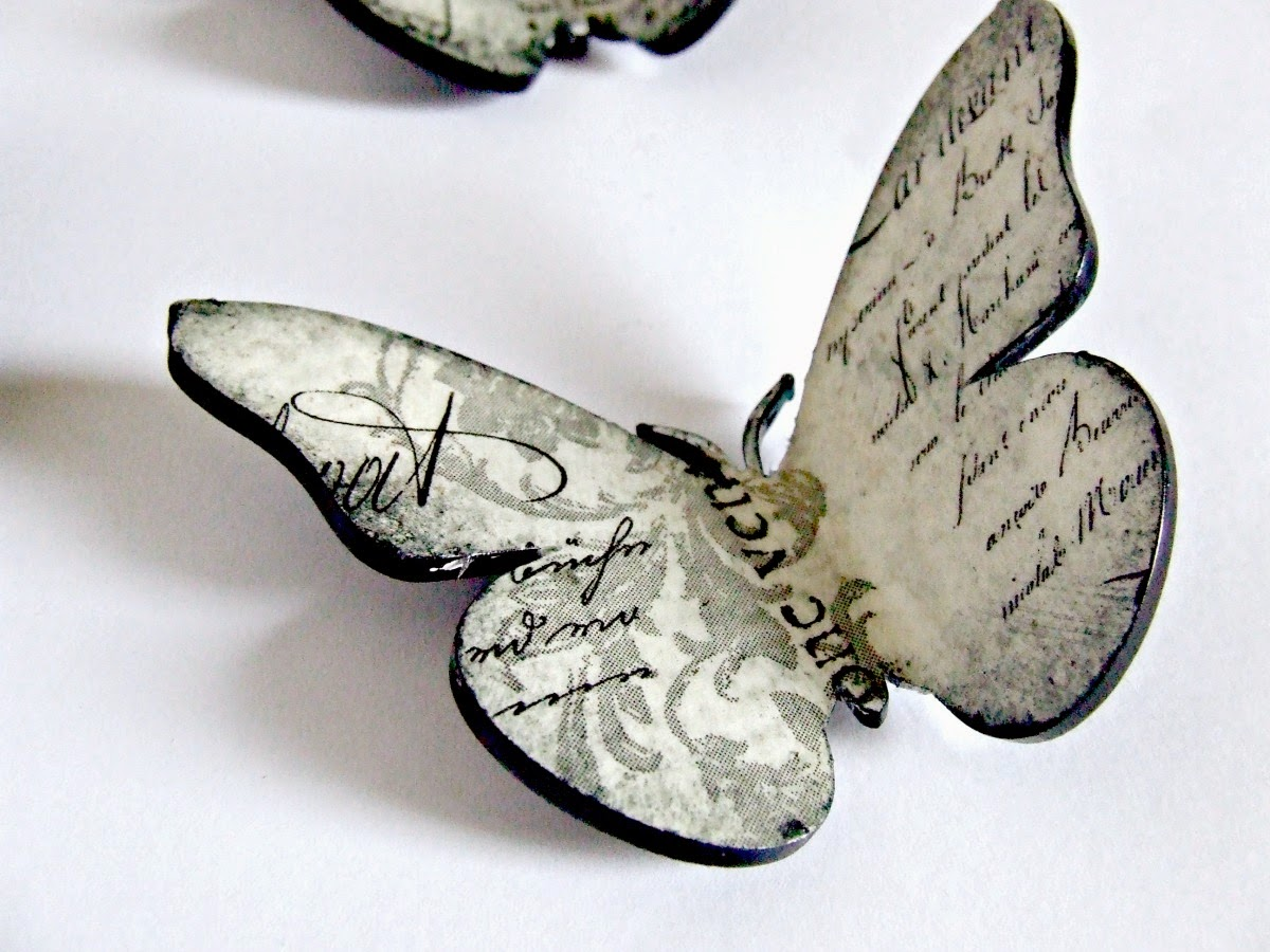 Zegar decoupage w motyle shabby chic by Eco Manufaktura