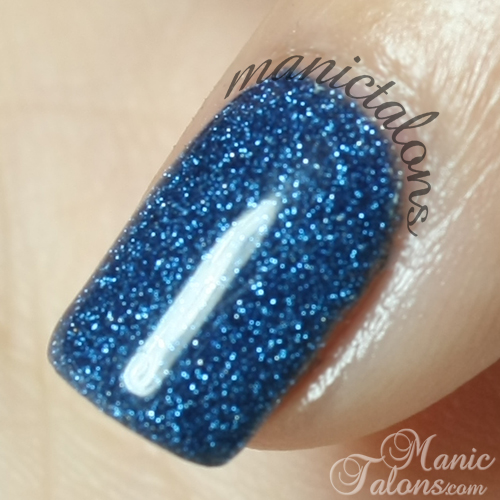 Closeup of Revel Nail Acrylic Dip Powder in D31 Ingrid