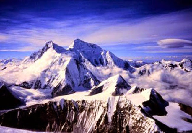 Mount Everest in Nepal-Tibet