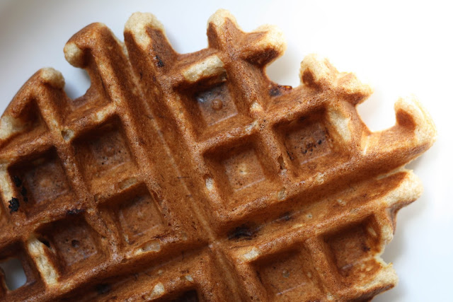 Banana Bread Waffles | Sevengrams