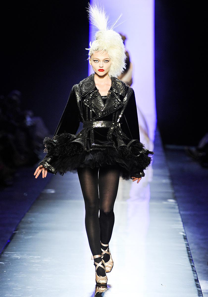 jean paul gaultier fall 2011 couture 4 punkgeisha. Black Bedroom Furniture Sets. Home Design Ideas
