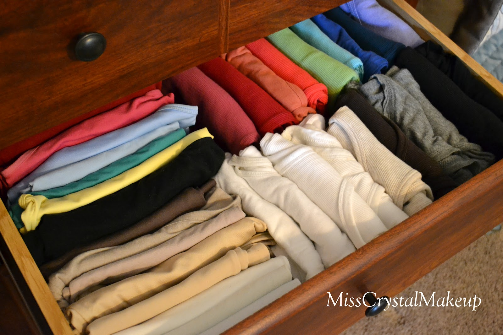 How To Organize Tanks Cami 39 S T Shirts