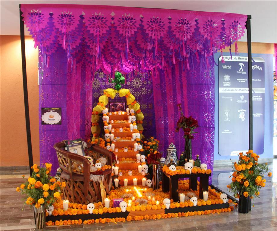 Decoracion Altar De Muertos ~ Ideas Para Tu Fiesta Dia De Muertos Ofrendas Y Altares