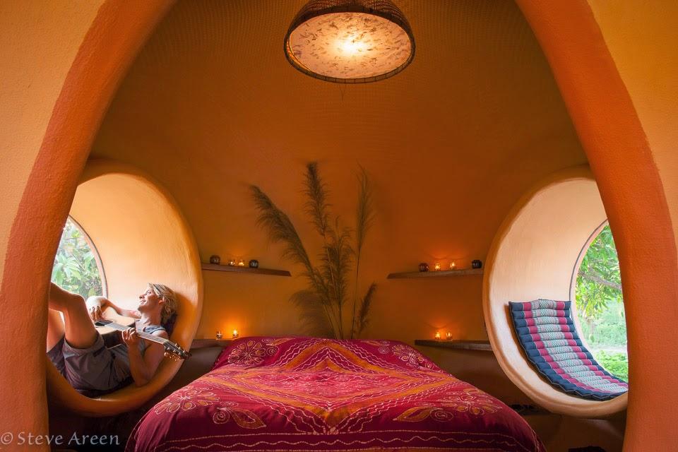 08-Bedroom-Steve-Areen-Hajjar-Gibran-Dome-House-Design-www-designstack-co