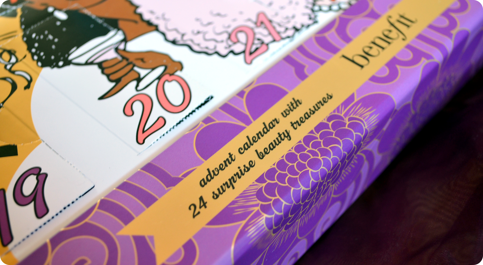 Benefit Advent Calendar Countdown To Love - Aufmachung