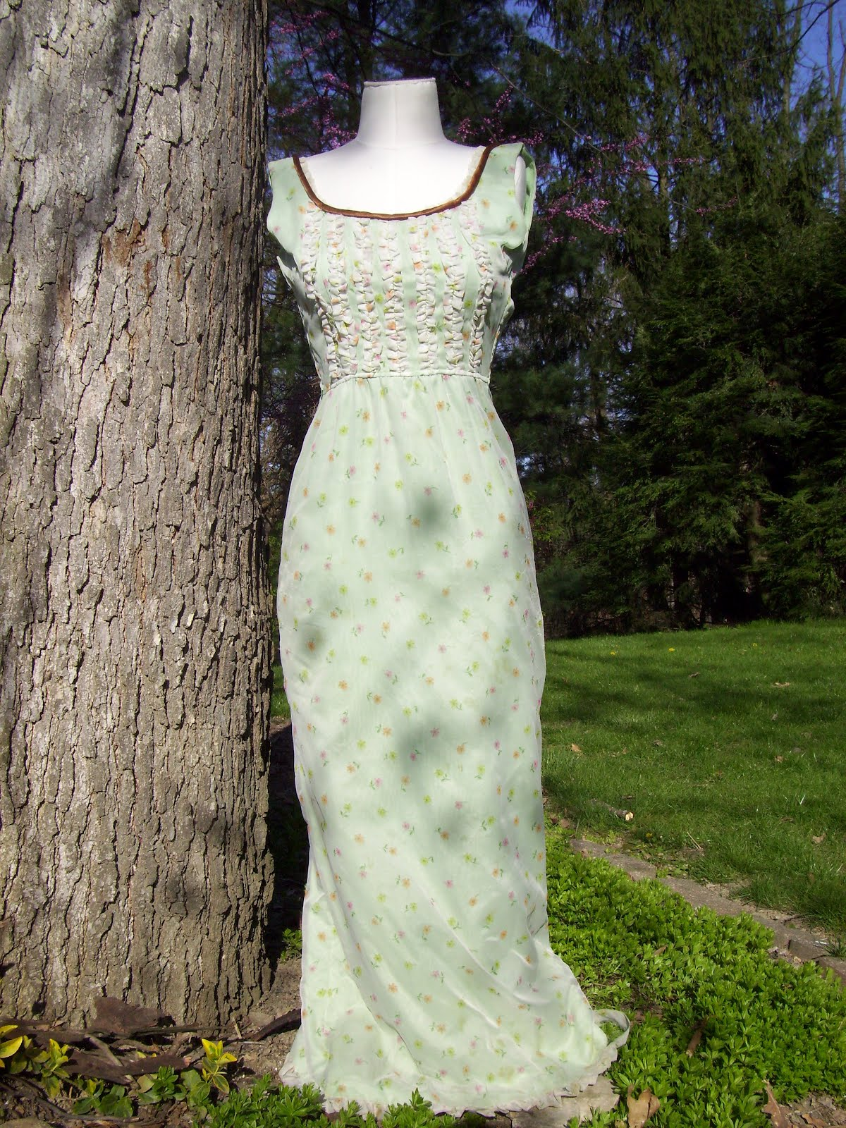 Cutting Cloth: 1965 Prom Dress