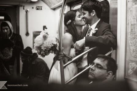 Sposi in metro
