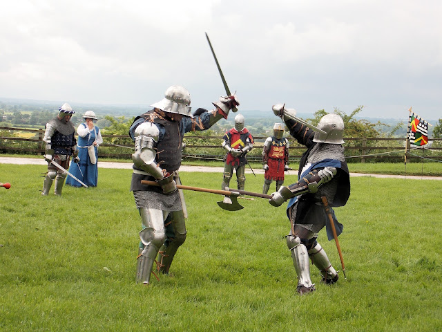 armoured knights sword battle