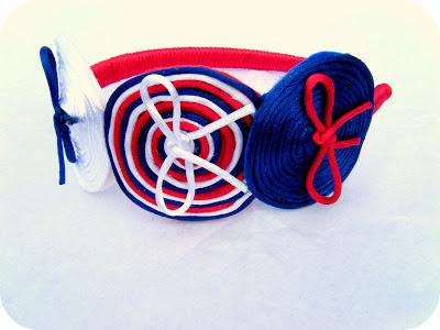 Diadema marinera azul, roja y blanca
