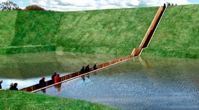 "Nicknamed the ""Moses Bridge"" because the water has parted, this ""bridge"" was used to allow people to cross the Fort's moat. Its creators opted for this barely-visible design so as not to disturb the historical site's look."