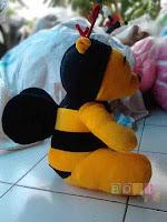 Boneka Pooh Bee sayap