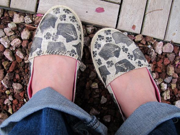 linocut black cat shoes