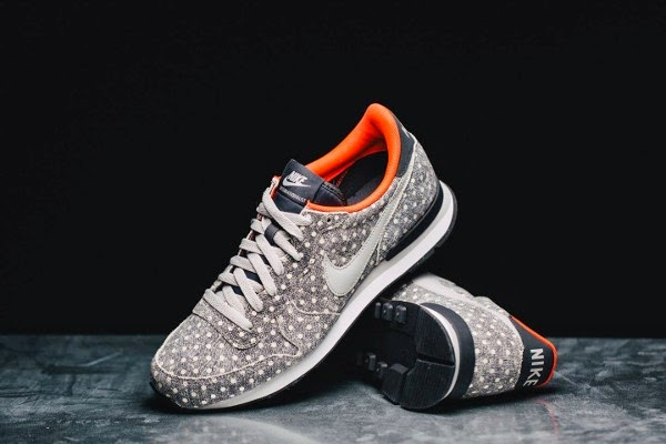 Nike Polka dots