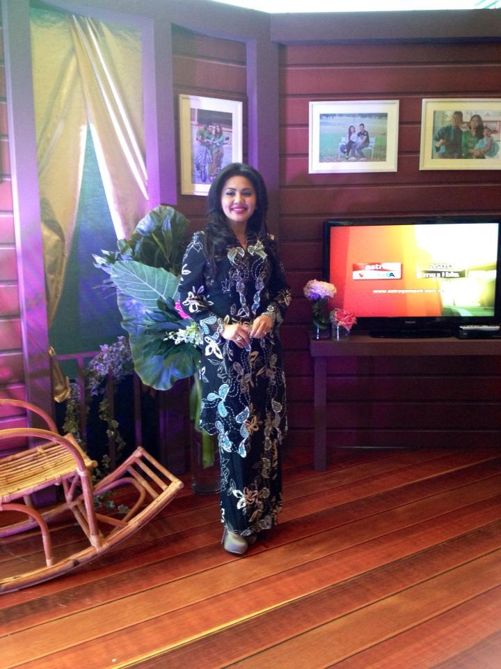 Rambo Malaysia: Gambar Artis-artis Malaysia Berbuka Puasa