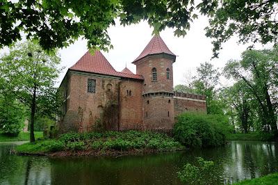 Tajemnica pewnego zamku/A mistery of a certain castle