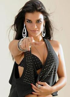 Fotos da Mari Antunes - Nova vocalista do Babado novo 2