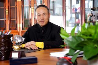 先鋒醫藥(1345) 主席 李新洲