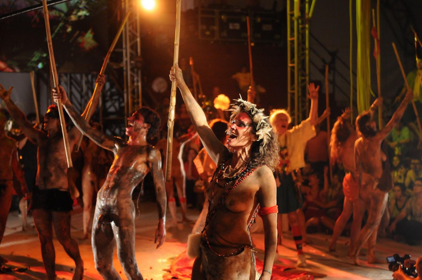 eroticheskiy-teatr-brazil-tropikal