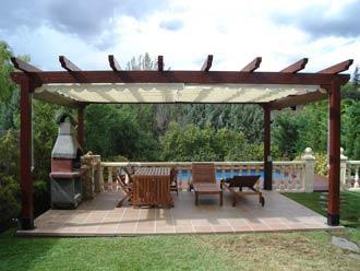 Instalar pergolas madera para jardin o terraza aprender hacer bricolaje casero - Pergolas para jardines ...