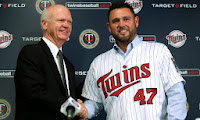 Twins Sign Nolasco