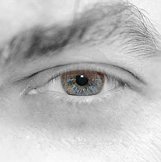 http://1.bp.blogspot.com/-NkRyEvZlW5g/TaVh1_QxtMI/AAAAAAAAACw/LYH0jf4bjs8/s1600/ojo.jpg