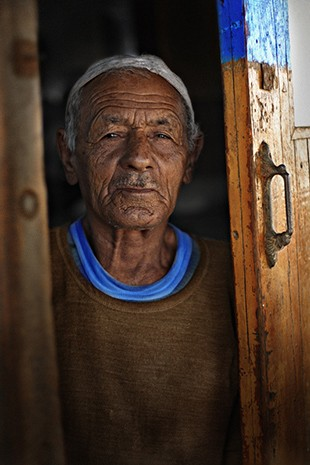 """""""Old Man in the Door"""" captured by Lysander Jugo."""