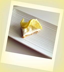 torta fredda allo yogurt cocco e limone e la signora dei