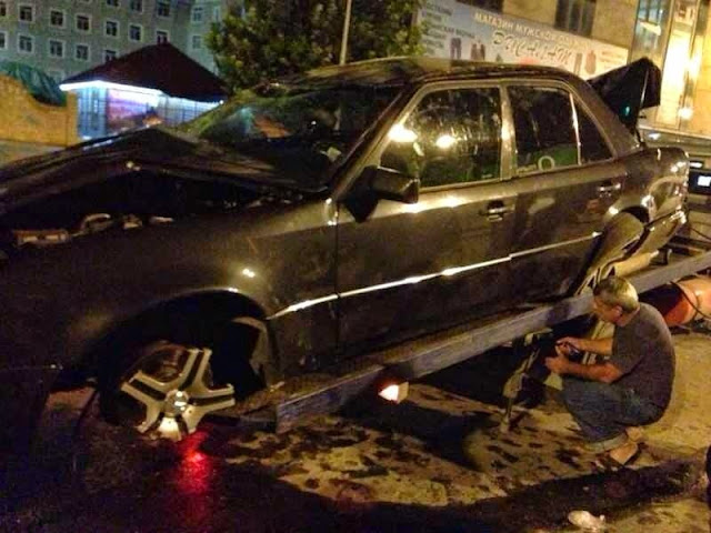 mercedes w124 accident