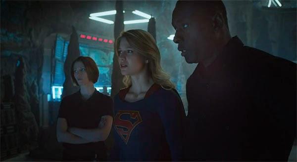 Hank Henshaw en Supergirl 1x01