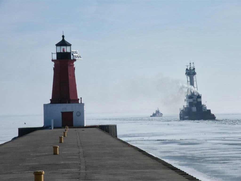 Tugs in winter ice, 2012