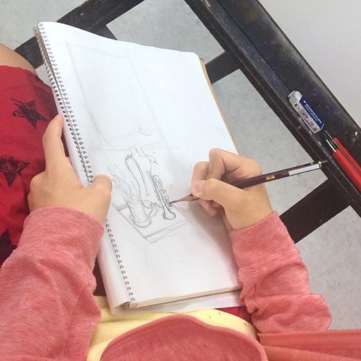 美術クラブ 横浜美術学院の中学生向け教室 たっぷりとした空間を描く「静物デッサン」2