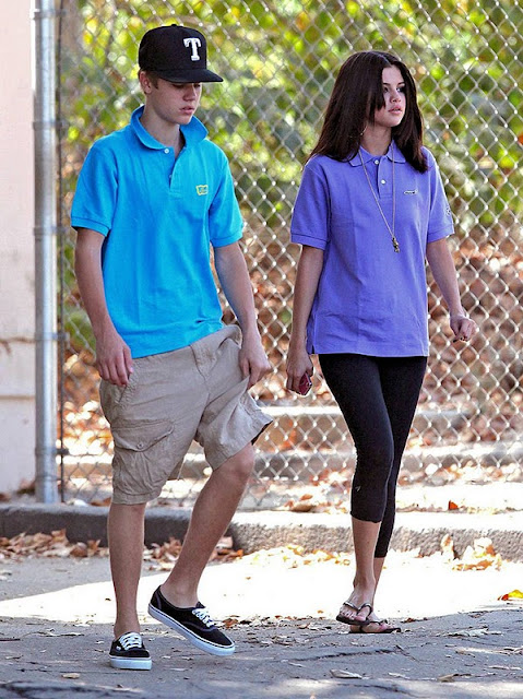 Selena Gomez at The Zoo in Los Angeles With Bieber