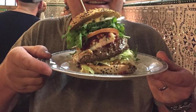 Burgeramt Berlin - Gorgonzola Burger