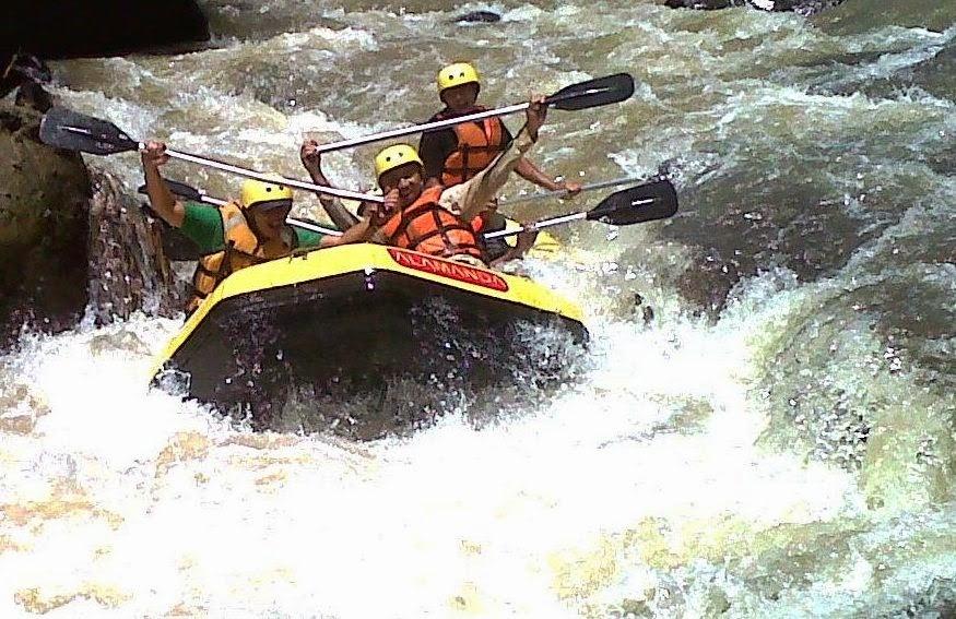 paket Rafting, arung jeram, di Sungai, Cisadane, Bogor