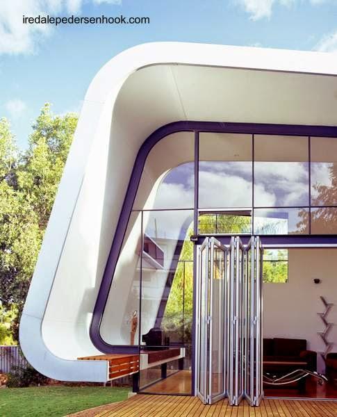 Detalle arquitectónico de un sector de la abertura de la ampliación de la casa