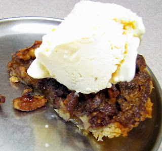 Chocolate Walnut Pie with Vanilla Icecream