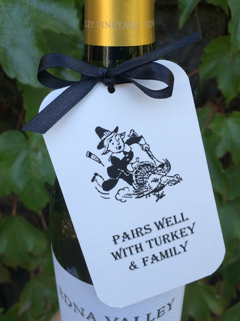 Thanksgiving Gift Tags - Pairs well with Family! | www.jacolynmurphy.com