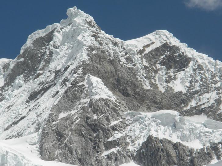 NEVADO PISCO (5.752 m)