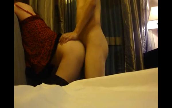 Clip cặp đôi làm tình trong khách sạn.âm thanh sống động