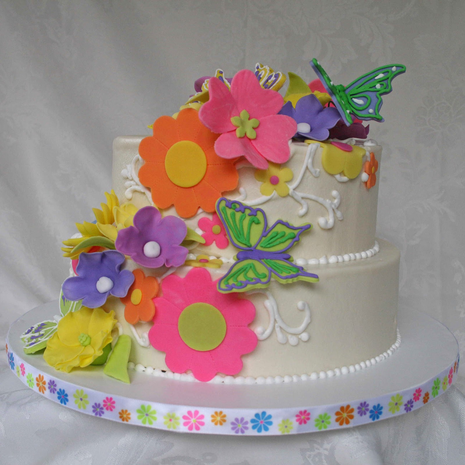 All Kinds of Sugar Butterfly and Flower Wedding Cake