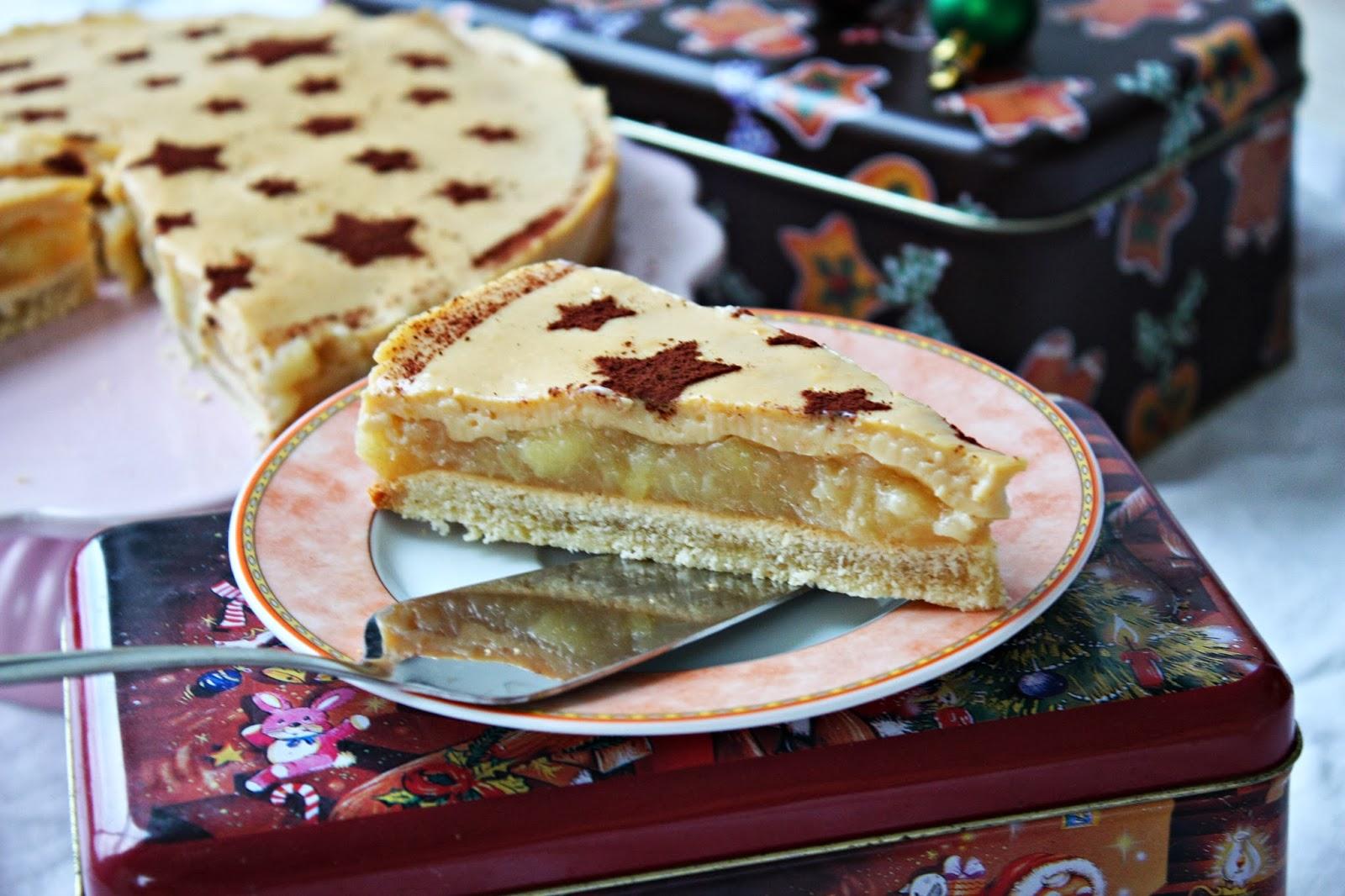 Winterliche Apfel Punsch Torte mit Eierlikör