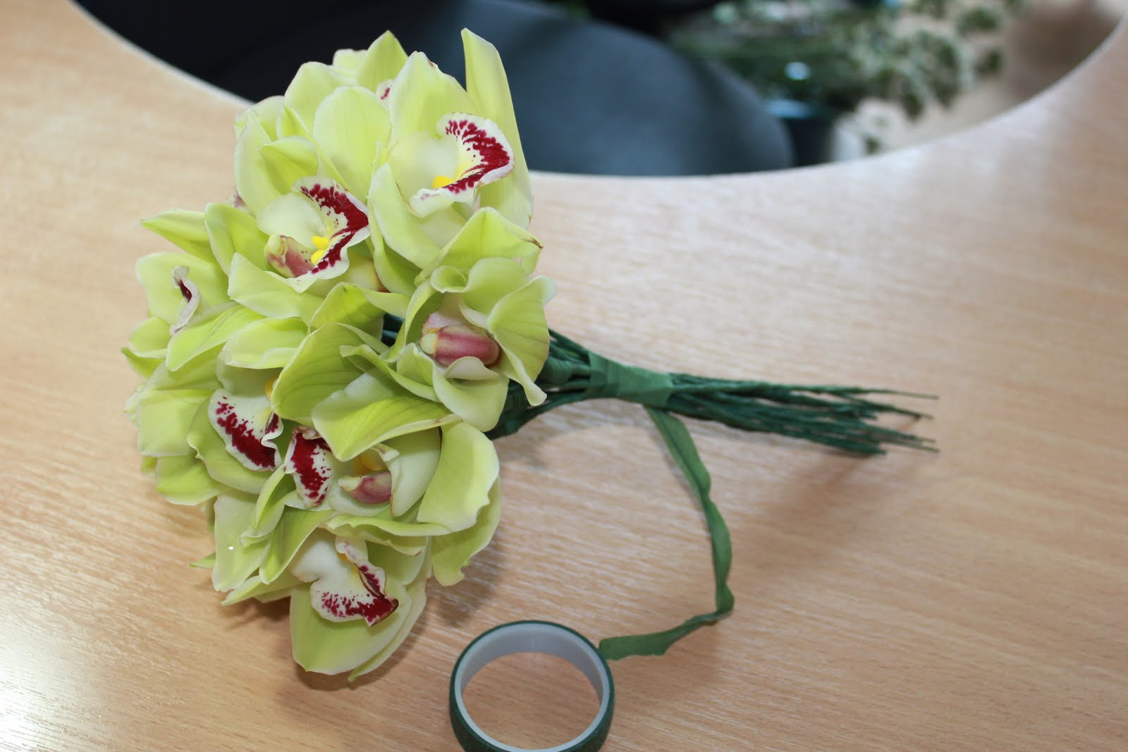 Букет из орхидей: как самостоятельно составить цветочную 37