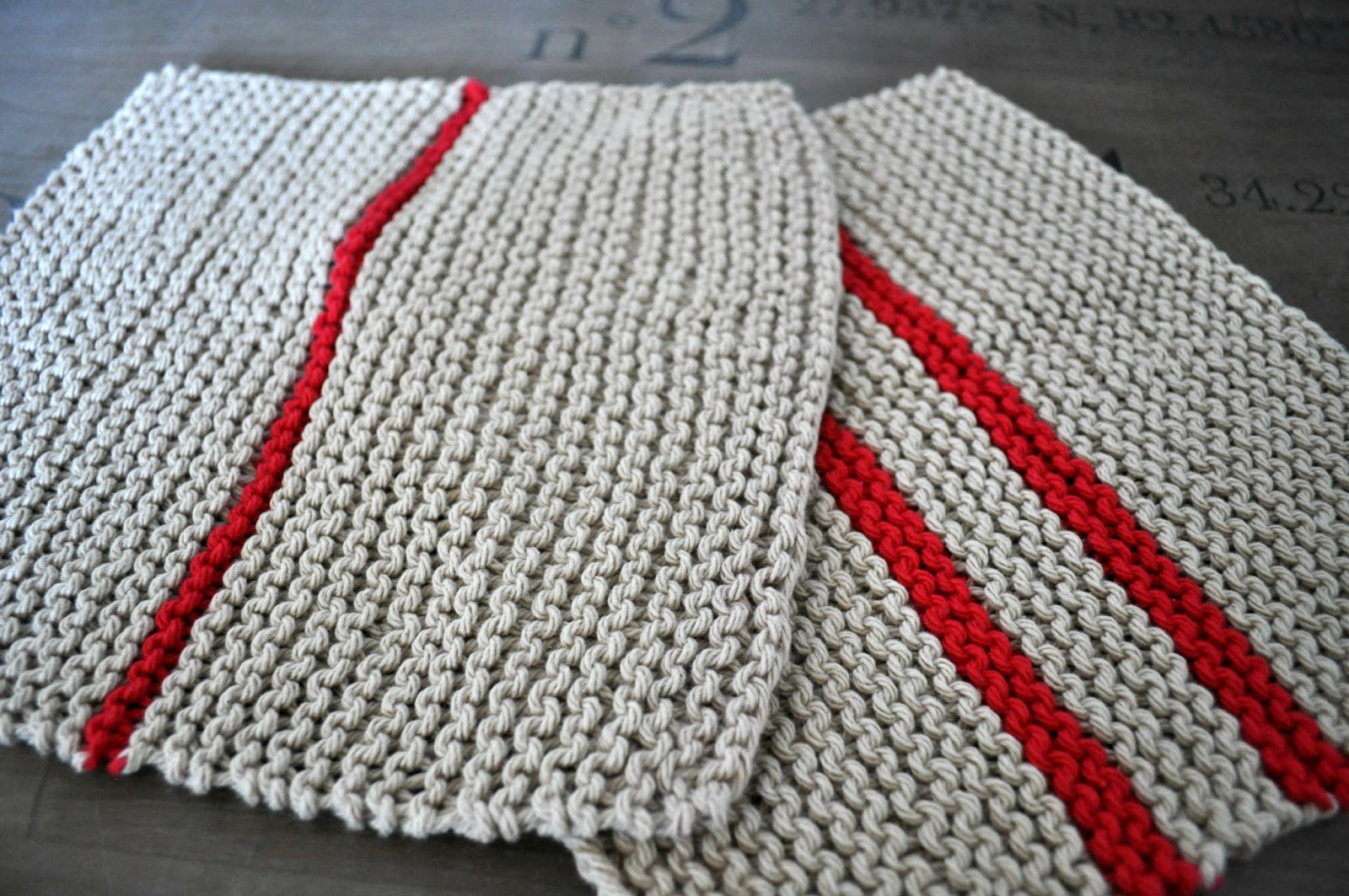 Barefoot Stamp: Knitted pattern hand towels