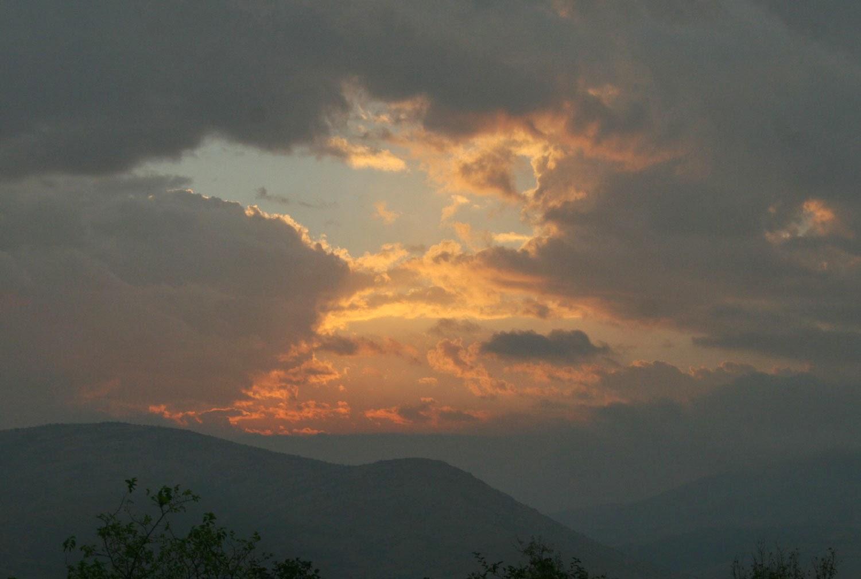 Sunlit cloudbreak
